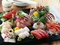 旬の魚介類を使用した料理がオススメです